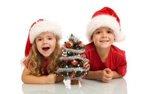 Barn älskar en adventskalender till jul.
