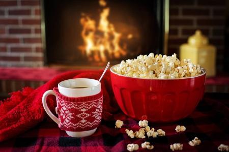 Poppa popcorn med en popcornmaskin