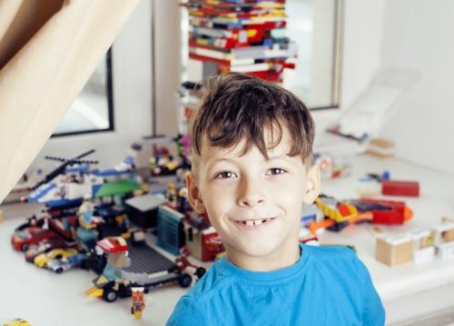 Förvara barnens Lego med smart legoförvaring.