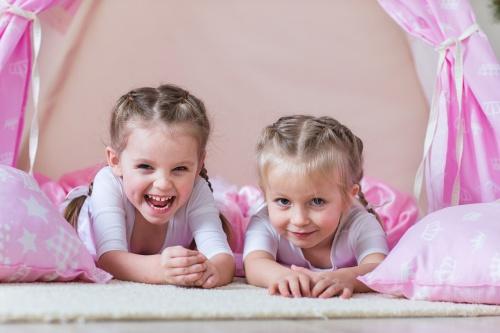 Tält för små prinsar och prinsessor