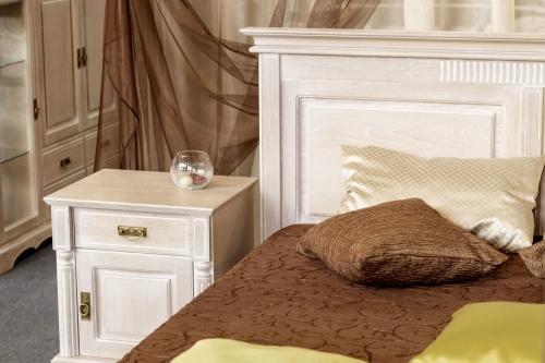 Matcha ditt sängbord med övrig inredning