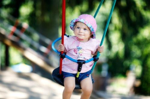 Babygungor i olika material och stilar