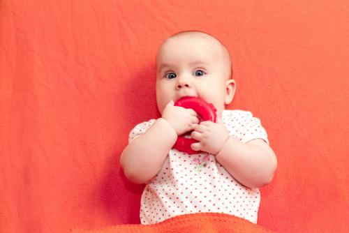 Bitringar som kan hängas i barnvagnen