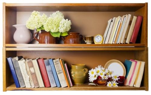 Ordning och reda i bokhyllan.