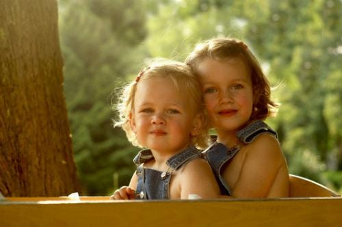 Det är mysigt att åka skrinda tillsammans med sitt syskon eller en god vän.