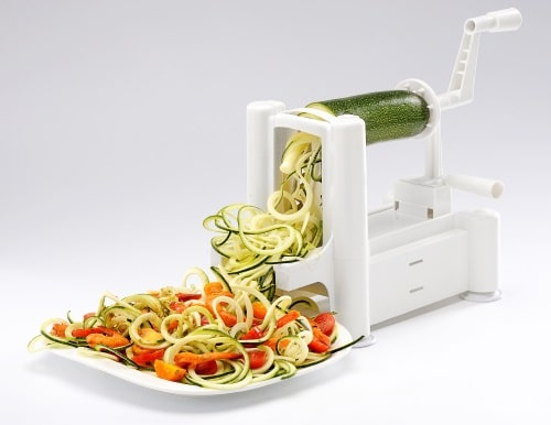 Tillverka pasta av grönsaker och använda din fantasi