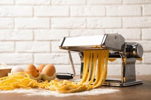 Göra spagetti och bandspagetti