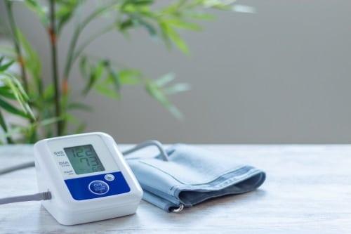 En användarvänlig blodtrycksapparat för enkel mätning av blodtrycket.