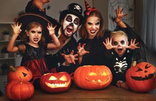 Halloweenfester kan vara lite skrämmande men alltid roliga.