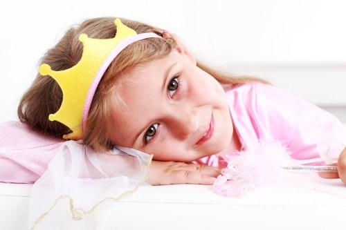 Köp en fin prinsesskrona online.