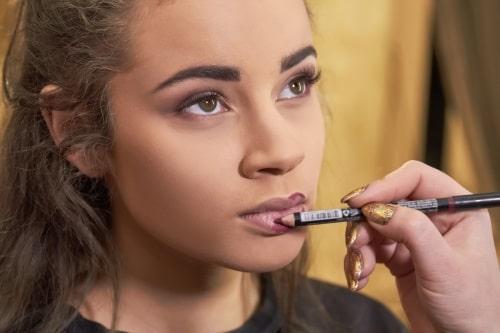 att använda pennan till konturmålning