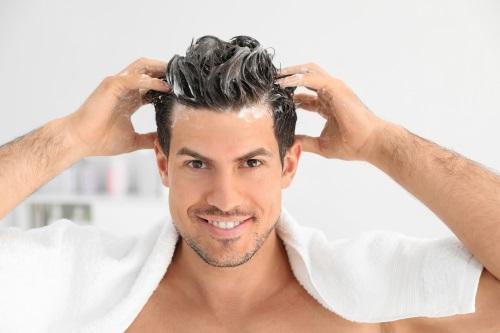 hitta det bästa schampot för fett hår