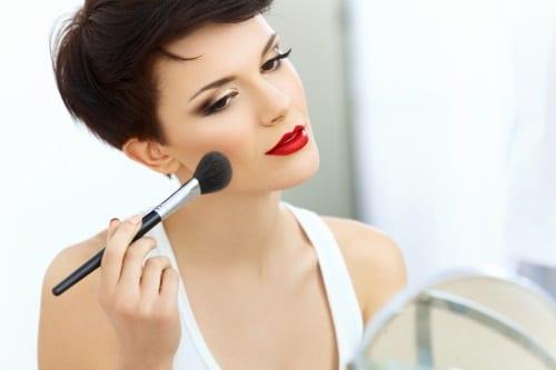 för att kunna lägga en snygg makeup