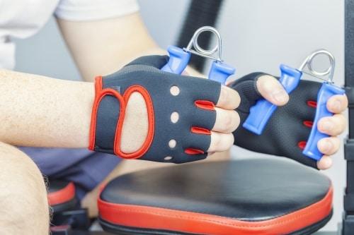 Vem har nytta av handstärkare?