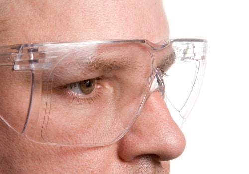 Viktigt att använda skyddsglasögon
