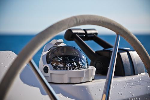Vad är en båtkompass?